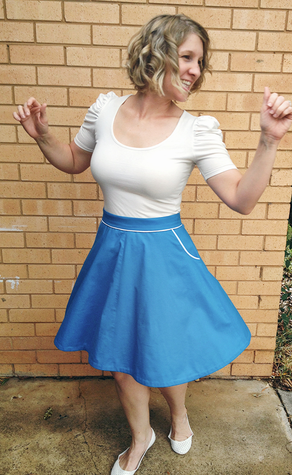 Amanda vs The Hollyburn Skirt