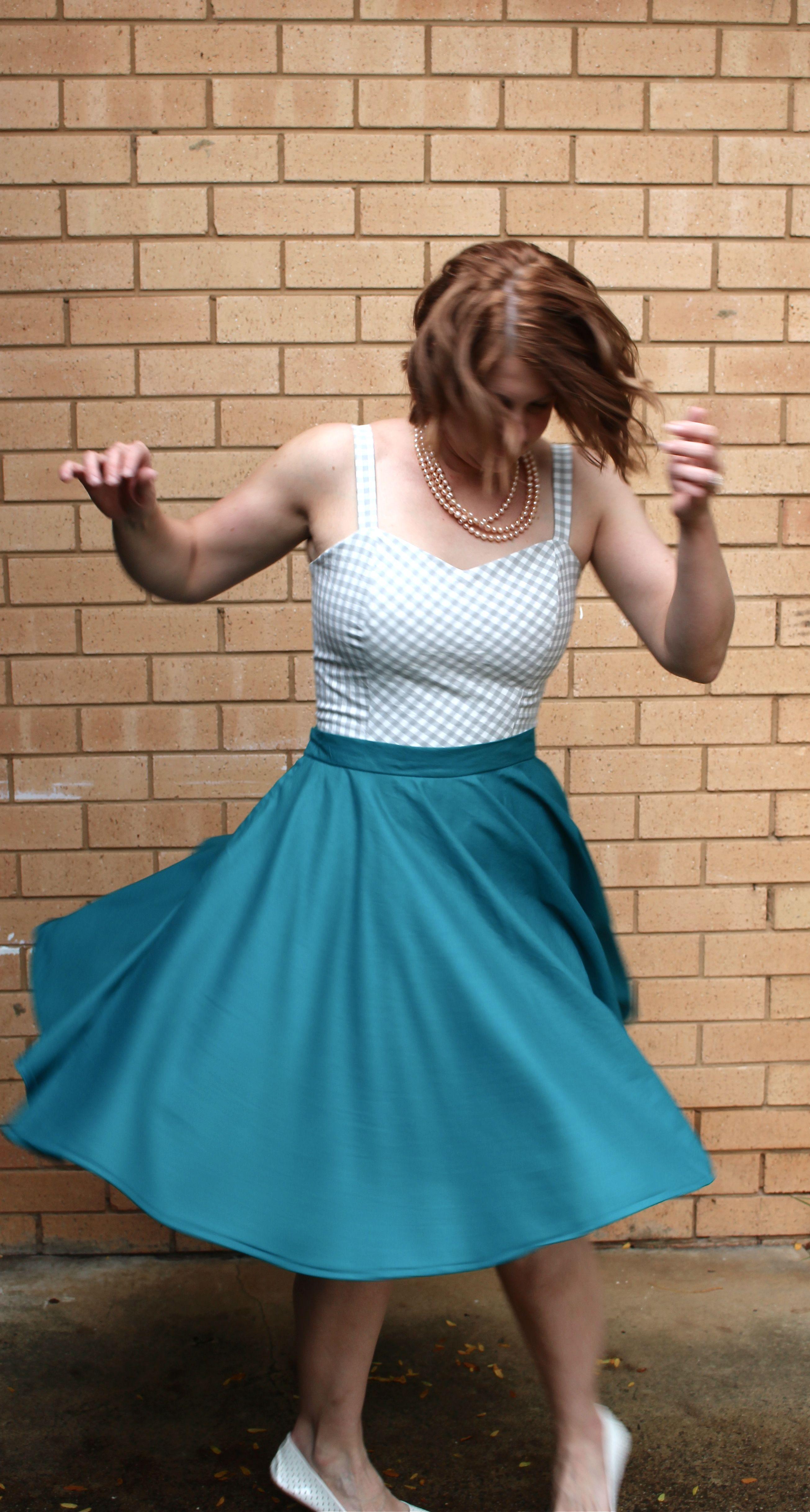 Amanda vs Vogue 8849 and Circle Skirt